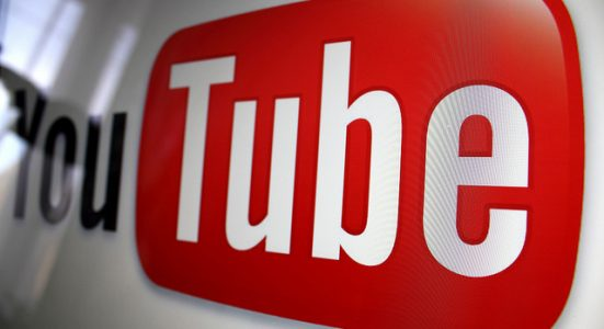 Listen to YouTube Videos on Lock screen or while Multitasking?